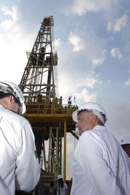Según expertos, el campe petrolero Quesqui no es tan grande ni tendrá un impacto significativo en las finanzas mexicanas (Foto: Presidencia de México)