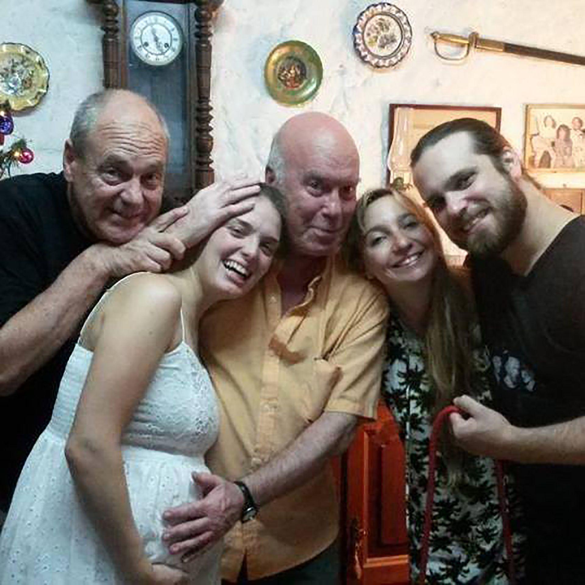 Carlos Tripel junto a su sobrino Germán y Flor Otero (Foto: Facebook)