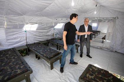 Wado de Pedro visitó las instalaciónes del Hospital Militar Reubicable de Campo de Mayo