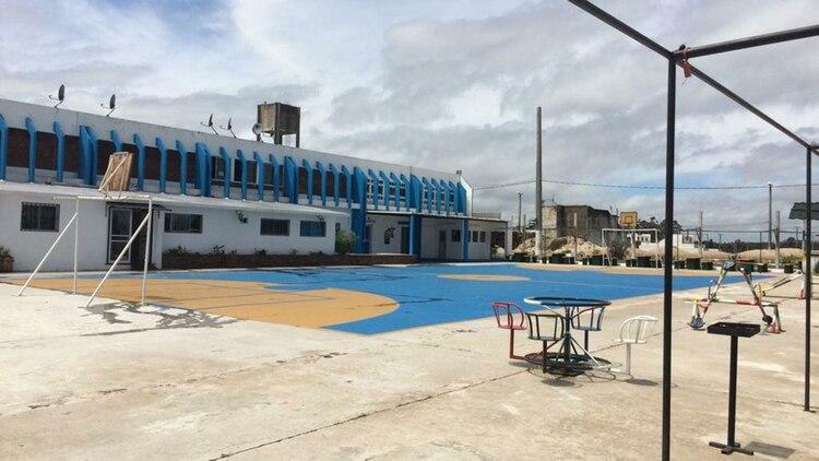 Uno de los pabellones del Polo Industrial en el que se alojan los presos que trabajan