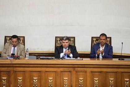 Luis Parra, Franklyn Duarte y Jose Noriega, tres de los líderes de la oposición creada por el chavismo (REUTERS/Fausto Torrealba)
