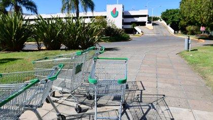 La entrada del shopping Unicenter tras el anuncio de su cierre
