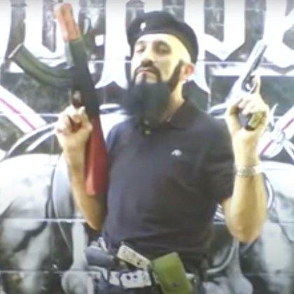 Llamaba Lucifer a uno de sus rifles favoritos (Foto: captura de pantalla)
