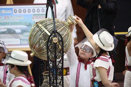 Niños gritones del la LN (Foto: Presidencia)