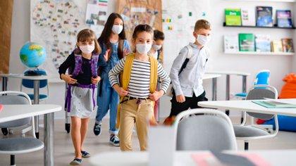 Los únicos que seguirán siendo vírgenes ante el SARS-CoV-2 serán los niños que vayan naciendo, ya que en ellos solo se producirían síntomas leves parecidos a un resfriado