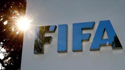 Foto de archivo. El logo de la FIFA en su sede de Zúrich, Suiza. 26 de septiembre de 2017. REUTERS/Arnd Wiegmann.