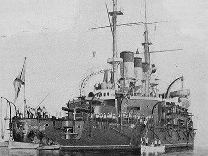 Julio de 1905. El Potemkin en el puerto de Constanza, Rumania