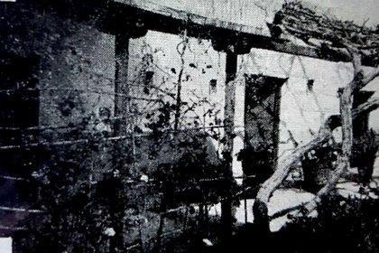 Antigua fotografía publicada en Caras y Caretas del patio de la casa de Sarmiento.