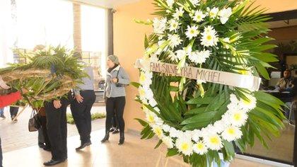 Los servicios funerarios de Miss Mary fueron privados y en ellos desfilaron decenas de niños y niñas, además de familiares y amigos (Foto: Especial)