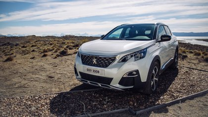 La mejor SUV del año fue la Peugeot 3008. También se adjudicó el premio al Mejor Auto de Europa de 2017