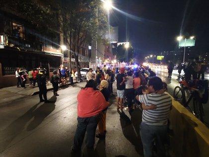 Imágenes de la población en Ciudad de México en las calles debido al sismo