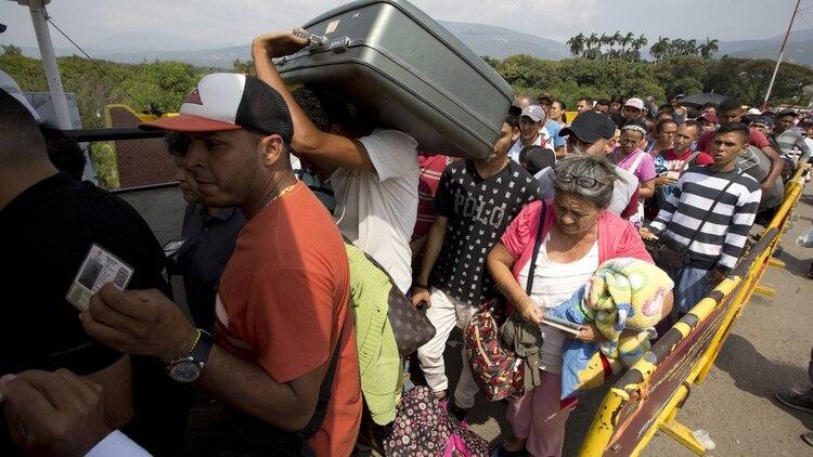 Colombia reclamó ayuda para recibir a los venezolanos (AP)