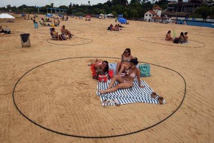 Las playas de los balnearios públicos, concesionados y privados de la ciudad de Rosario con protocolos sanitarios
