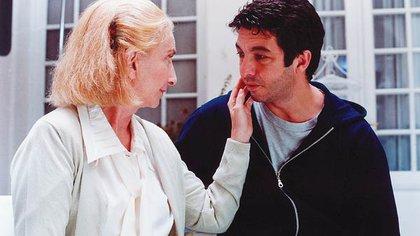 """Con Norma Aleandro en una escena de """"El hijo de la novia"""""""