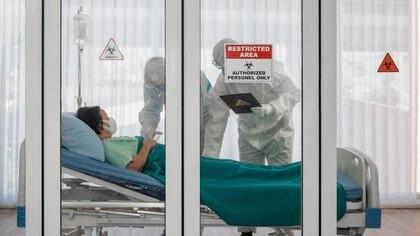 Lo que se vio en un estudio que llevó a cabo un grupo de universidades chinas es que en pacientes con COVID-19 la hemoglobina se altera (Shutterstock)