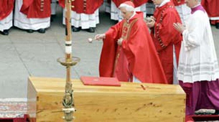 Féretro de Juan Pablo II