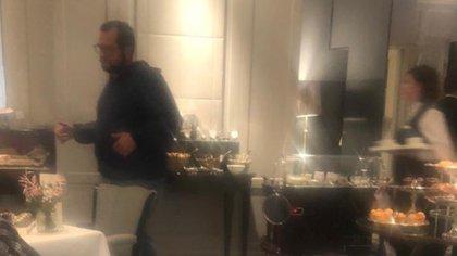 José Ramón estaba desayunando en el hotel de Madrid. (Foto: Especial)