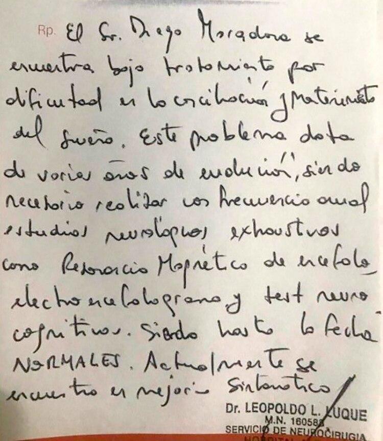 El documento con el diagnóstico de Maradona