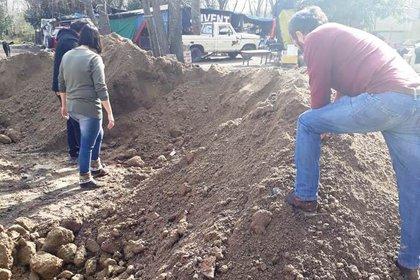 Los restos estaban esparcidos entre la tierra (Gentileza: Semanario El Mundo de Berisso)