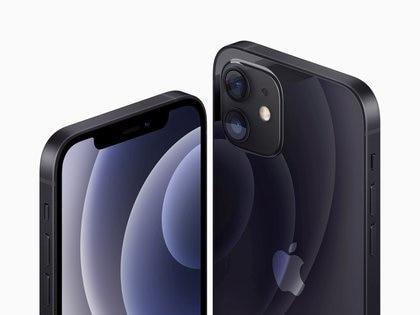 El nuevo producto de Apple fue muy criticado en las redes sociales (Foto: Brooks Kraft/Apple Inc. /REUTERS)