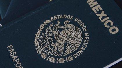Los nuevos pasaportes electrónicos cumplirán con estándares internacionales  (Foto:Archivo/Cuartoscuro)