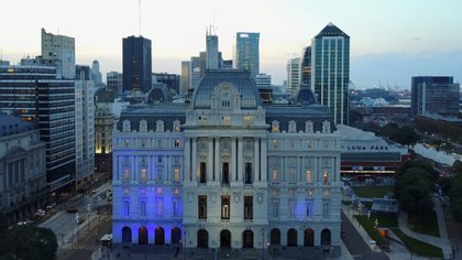 Los miradores del Centro Cultural Kirchner son el primer punto panorámico público de Buenos Aires y ofrece una de las mejores vistas de la ciudad