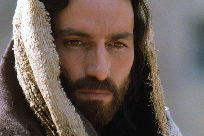 "Jim Caviezel interpretó a Jesús en  ""The Passion of the Christ"" pero no logro hacer olvidar la figura de Powell  (Philippe Antonello/Icon Distribution)"