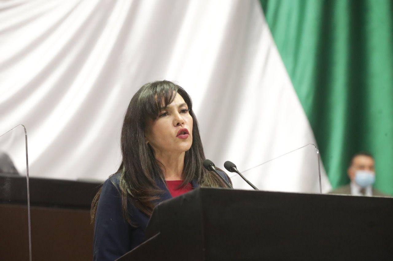 María Teresa Castell de Oro Palacios, del PAN, propuso echar mano de las tecnologías de la información para ayudar a la calidad educativa (Foto: Cortesía / PAN)