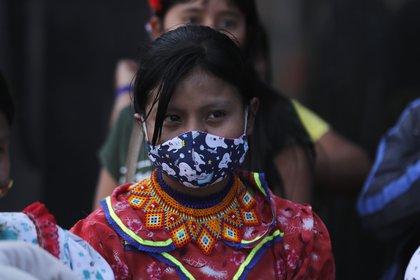 Una indígena embera-chamí participa este viernes en un plantón para rechazar la violación (EFE)