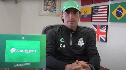 Guillermo Almada insistió en que Santos calificará a la Liguilla (Foto: Club Santos)
