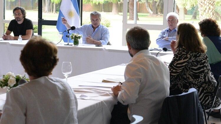 El Gobierno argentino se apoyó en un grupo destacado de científicos