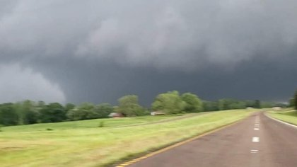 Imagen del tornado que avanzó por Soso, en el condado de Jones (Foto: Twitter)