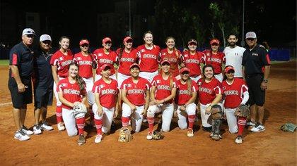 El equipo de softbol femenil gano en la categoría de deporte no profesional  (Foto: Cortesía de Conade)