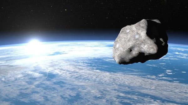 """Bautizado """"2012 TC4"""", el asteroide se desplazará entre la Tierra y la Luna a una distancia mínima inferior a 44.000 km (Istock)"""