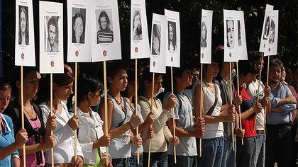 El homenaje de los estudiantes a los 31 jóvenes detenidos-desaparecidos de la Escuela Normal