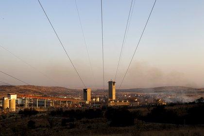 Vista de la mina de Mponeng cerca de Carletonville, al oeste de Johannesburg (REUTERS/Siphiwe Sibeko/archivo)