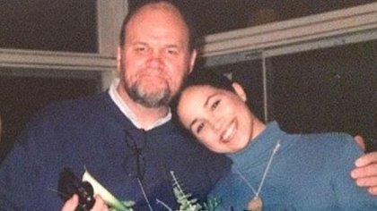 Thomas Markle junto con su hija Meghan Markle. Ambos están distanciados y podrían cruzarse ante la Alta Corte de Londres en un juicio que la duquesa inició contra el diario Mail on Sunday (Archivo Infobae)