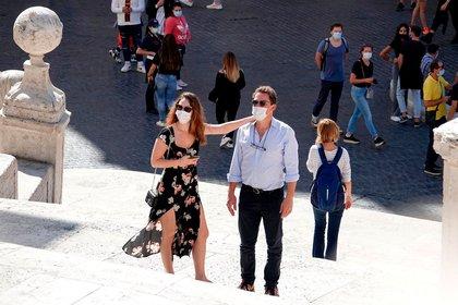 Lily James y Dominic West escaparon a Italia hace unas semanas (Foto: Backgrid UK / The Grosby Group)