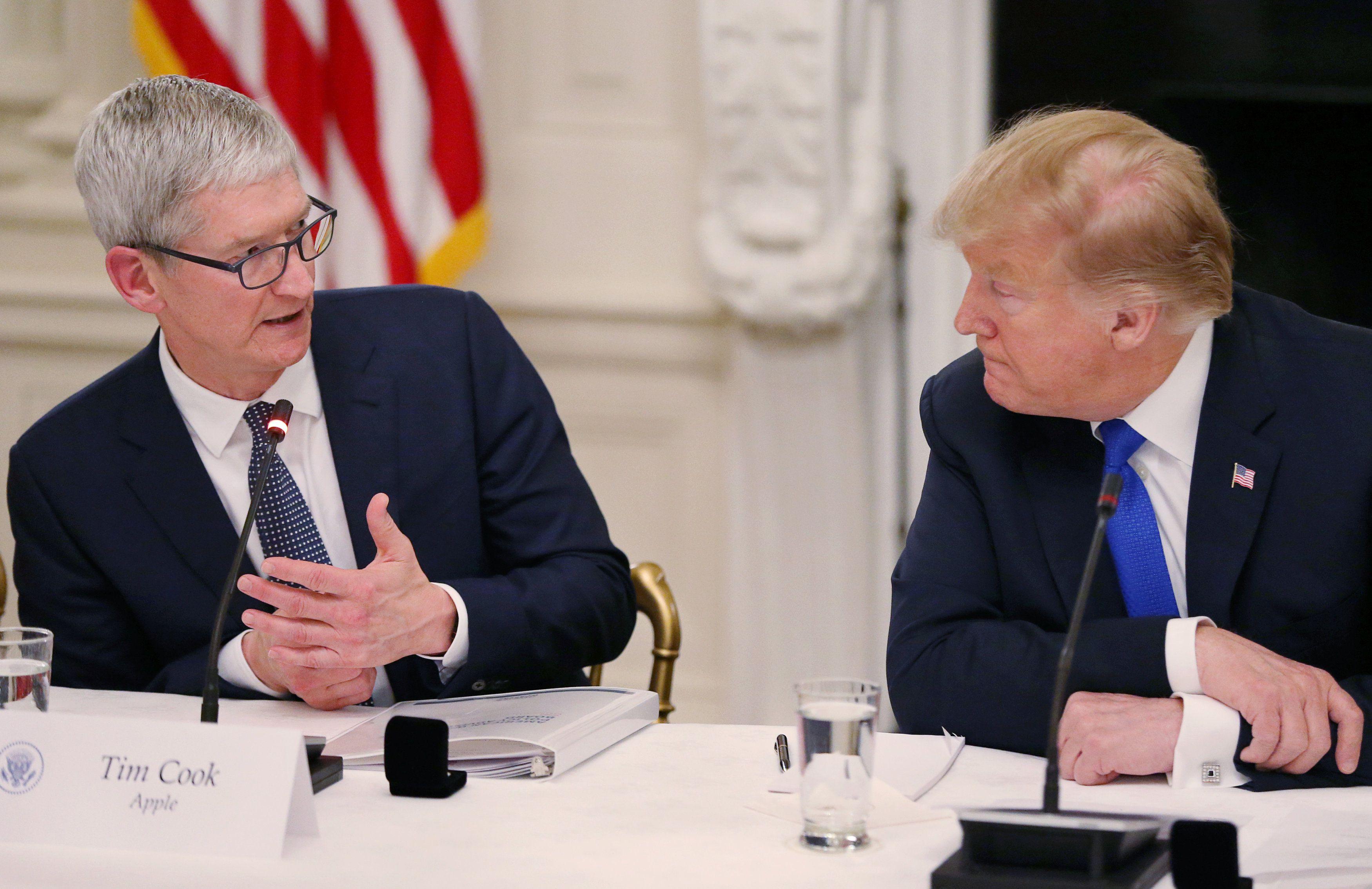 Donald Trump y Tim Cook en un reunión en la Casa Blanca (Foto: Reuters)