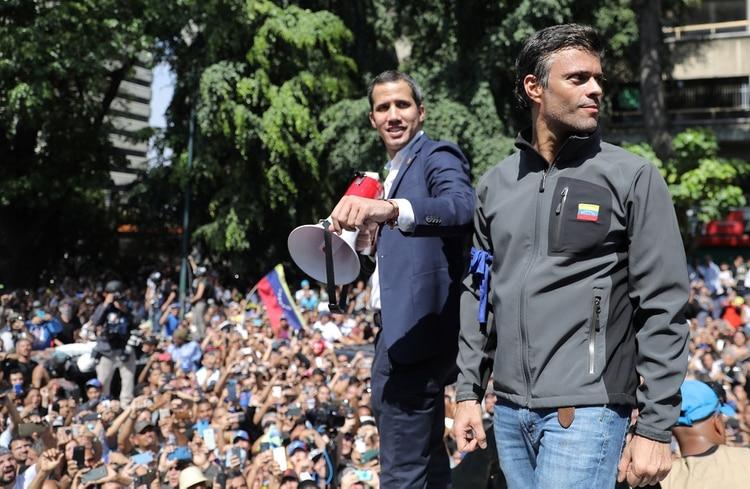 Juan Guaidó junto a Leopoldo López (Reuters)