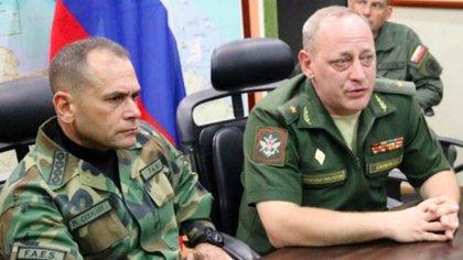 Ceballos Ichaso en reunión con oficiales rusos en diciembre de 2018