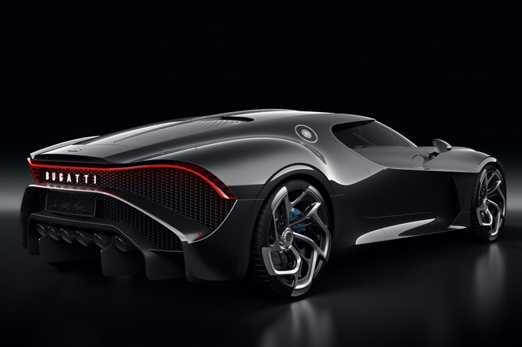 La Voiture Noire rinde homenaje al Bugatti Type 57 SC Atlantic diseñado por Jean Bugatti, el primogénito del fundador de la marca, Ettore Bugatti