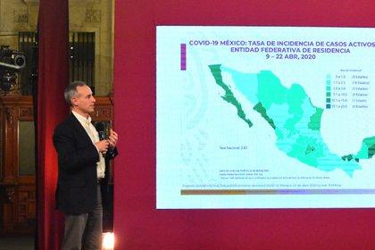 El subsecretario de Prevención y Promoción de la Salud, Hugo López-Gatell, enfatizó en los 3,618 casos confirmados activos y los llamó el motor de la epidemia (Foto: Cortesía)