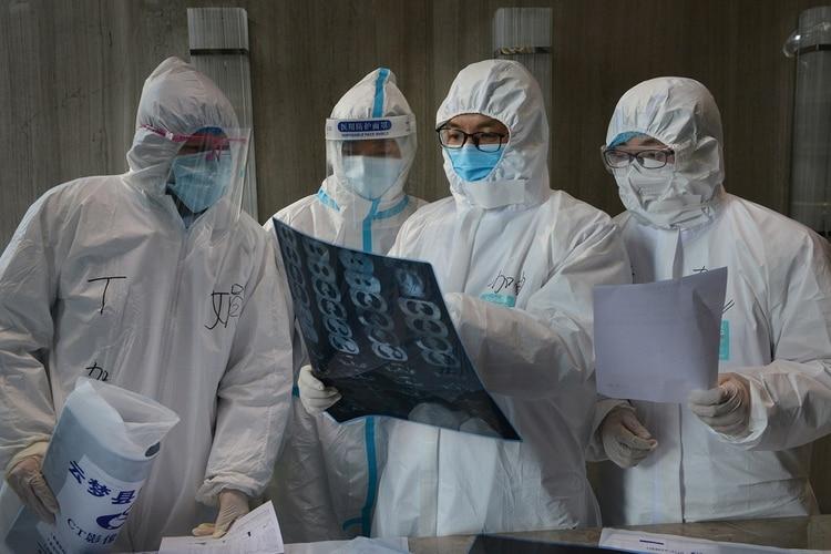 Distintos indicadores alimentaron las especulaciones sobre la posibilidad de que el nuevo coronavirus haya salido del Instituto de Virología de Wuhan. (China Daily via REUTERS)