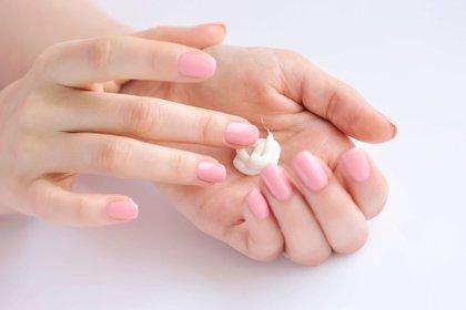 La mejor opción de crema hidratante es que sea ligera (Shutterstock)