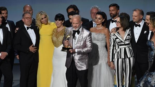 Resultado de imagen para ganadores de los premios emmy, versace