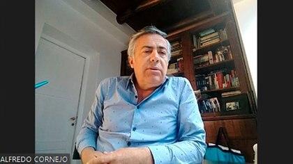 El ex gobernador mendocino, Alfredo Cornejo, es un fantasma en el vínculo entre la Casa Rosada y el actual gobernador, Rodolfo Suárez