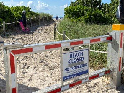 Las autoridades de Miami cerraron las playas durante las celebraciones del 4 de julio para evitar las aglomeraciones de personas. Foto: REUTERS