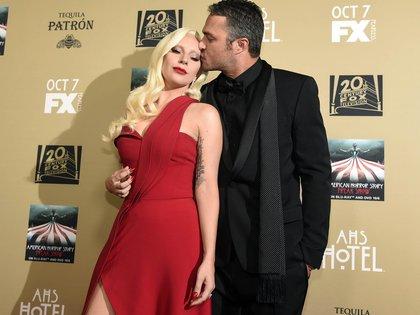 Lady Gaga con Taylor Kinney