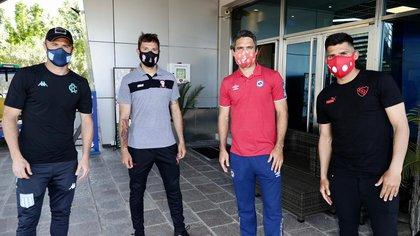 Iván Pillud (Racing), Leandro Grimi (Huracán), Matías Caruzzo (Argentinos Juniors) y Silvio Romero (Independiente), algunos capitanes presentes en el sorteo